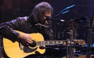 Neil Young - Needle And The Damage Done (Unplugged) (Live)