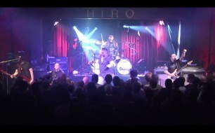 Смотреть музыкальный клип Adrenaline Mob - The Mob Rules (Black Sabbath Cover) (Live @ Hiro Ballroom)