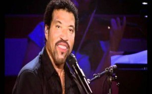 Lionel Richie - Stuck on You (live)
