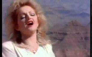 Bonnie Tyler - Holding Out For A Hero (Remix)