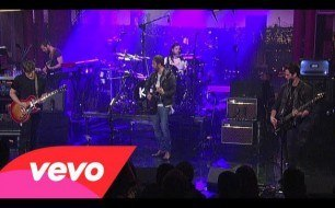 Kings Of Leon - Sex On Fire (Live @ Letterman, 2013)