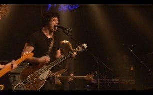 Смотреть музыкальный клип The Raconteurs - Salute Your Solution (Live @ Montreux, 2008)