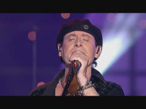 Смотреть видео Scorpions - Wind Of Change (Live @ Moment Of Glory, 2000)