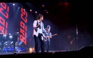 �������� ����������� ���� Bad Company - Can't Get Enough (Live @ Wembley, 2010)