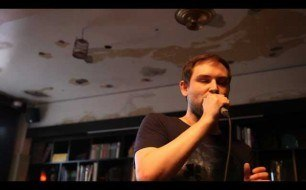 Смотреть музыкальный клип The Twilight Sad - I Became A Prostitute (Live @ KEXP, 2011)