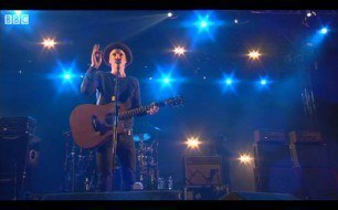 �������� ����������� ���� Travis - Why Does It Always Rain On Me (Live @ T In The Park, 2013)