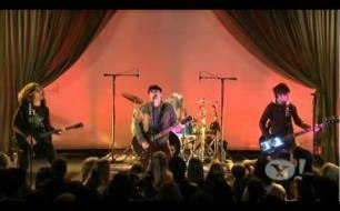Fall Out Boy - I Don't Care (Live @ Yahoo! Music)