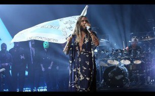 �������� ����������� ���� 30 Seconds To Mars - Do Or Die (Live)