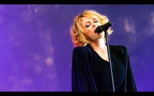 Goldfrapp - Strict Machine (Live @ Glastonbury, 2014)