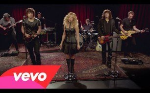 The Band Perry - Mother Like Mine (Live Ram Country On Yahoo Music)