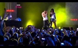 Kelly Rowland - Dilemma (feat. Nelly) (Live)