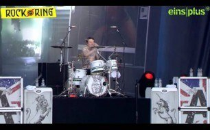 Смотреть музыкальный клип Asking Alexandria - The Death Of Me (Live @ Rock Am Ring, 2013)