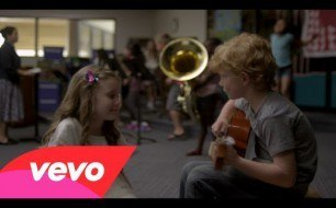 Смотреть музыкальный клип Taylor Swift - Everything Has Changed ft. Ed Sheeran