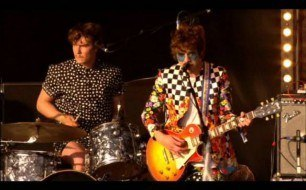 �������� ����������� ���� MGMT - Time to Pretend (Live @ Glastonbury, 2010)