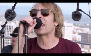 Смотреть музыкальный клип Mudhoney - I Don't Remember You (Live @ KEXP Space Needle, 2013)