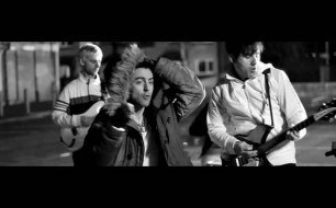 Смотреть музыкальный клип Lostprophets - For He's A Jolly Good Felon (Clean Version)