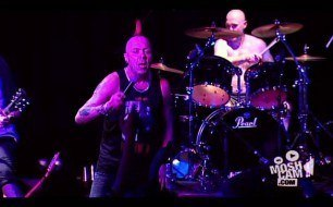 �������� ����������� ���� The Exploited - Maggie (Live @ Sydney, 2007)