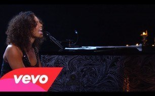 Alicia Keys - Caged Bird (Piano & I: AOL Sessions +1)