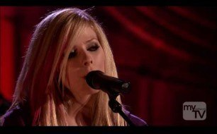 Avril Lavigne - Adia (Cover) (Live @ Roxy Theatre, 2007)