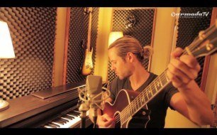 Смотреть музыкальный клип Armin Van Buuren - This Is What It Feels Like (feat. Trevor Guthrie) (Live Acoustic)