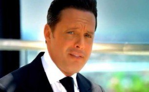 �������� ����������� ���� Luis Miguel - Si Tu Te Atreves (Official Music Video)
