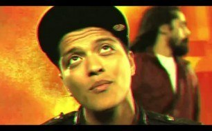 Смотреть музыкальный клип Bruno Mars - Liquor Store Blues ft. Damian Marley [OFFICIAL VIDEO]