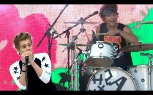 5 Seconds Of Summer - Teenage Dream (Katy Perry Cover) (Live)