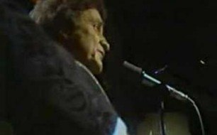 Johnny Cash - Ballad Of A Teenage Queen (Live)