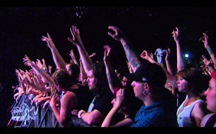 �������� ����������� ���� Architects - Follow The Water (Live @ Sydney, 2010)