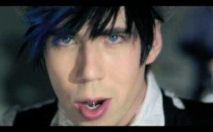 Marianas Trench - Celebrity Status