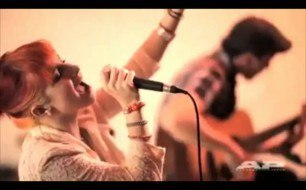 Paramore - Feeling Sorry (Live Acoustic @ AP Sessions)