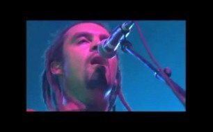 Смотреть музыкальный клип Michael Franti & Spearhead - Never Too Late (Live in Sydney)