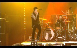 Papa Roach - Kick In The Teeth (Live @ Woodstock)
