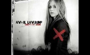 Avril Lavigne - Fall To Pieces