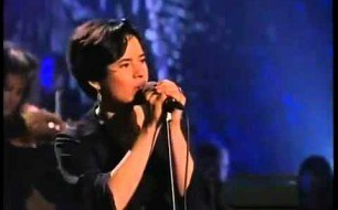10,000 Maniacs - Because The Night (Live @ Unplugged)