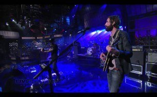 Смотреть музыкальный клип Band Of Horses - No One's Gonna Love You (Live On Letterman)