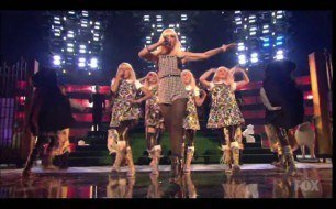 Gwen Stefani - Wind It Up (Live Billboard Music Awards 2006)