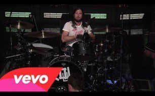 Kings Of Leon - Taper Jean Girl (Live @ Letterman, 2013)