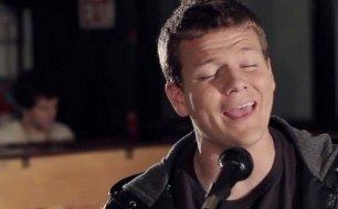 Смотреть музыкальный клип Tyler Ward - The Hardest Thing (An Original Song Feat. Kurt Hugo Schneider)