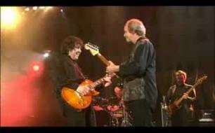 Смотреть музыкальный клип Gary Moore - Whiskey In The Jar (Live @ A Tribute To Phil Lynott, 2005)