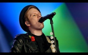 Fall Out Boy - Live @ Radio 1's Teen Awards, 2013