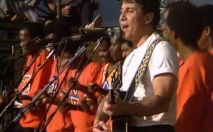 Paul Simon - Diamonds On The Soles Of Her Shoes (Live)