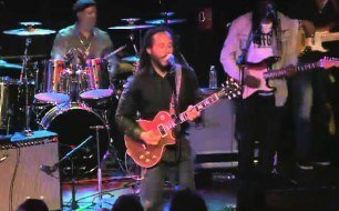 Смотреть музыкальный клип Ziggy Marley - Wild and Free (Live At The Roxy Theatre)