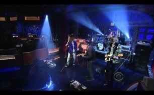 Cage The Elephant - Shake Me Down (Live @ Letterman, 2011)