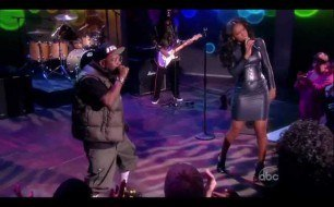 Kelly Rowland - Mama Told Me (feat. Big Boi) (Live)