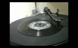 The Monkees - (I m Not Your) Steppin  Stone (Single Version)