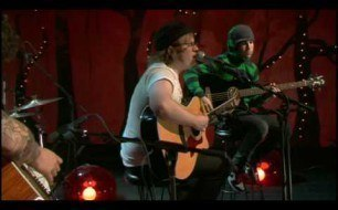 Fall Out Boy - Thnks fr th Mmrs (Unplugged) (Live @ VH1.com)