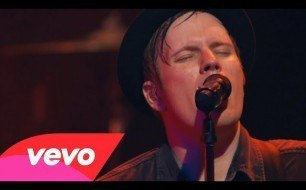 Fall Out Boy - Light Em Up (Live @ London, 2013)