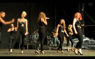 Girls Aloud - Jump (live)