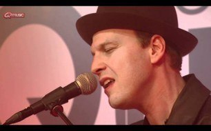 Gavin DeGraw - Not Over You (Live @ Bij Q, 2011)